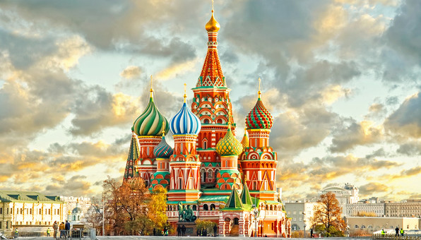 moscow-russia-kremlin-city-3654-596x340
